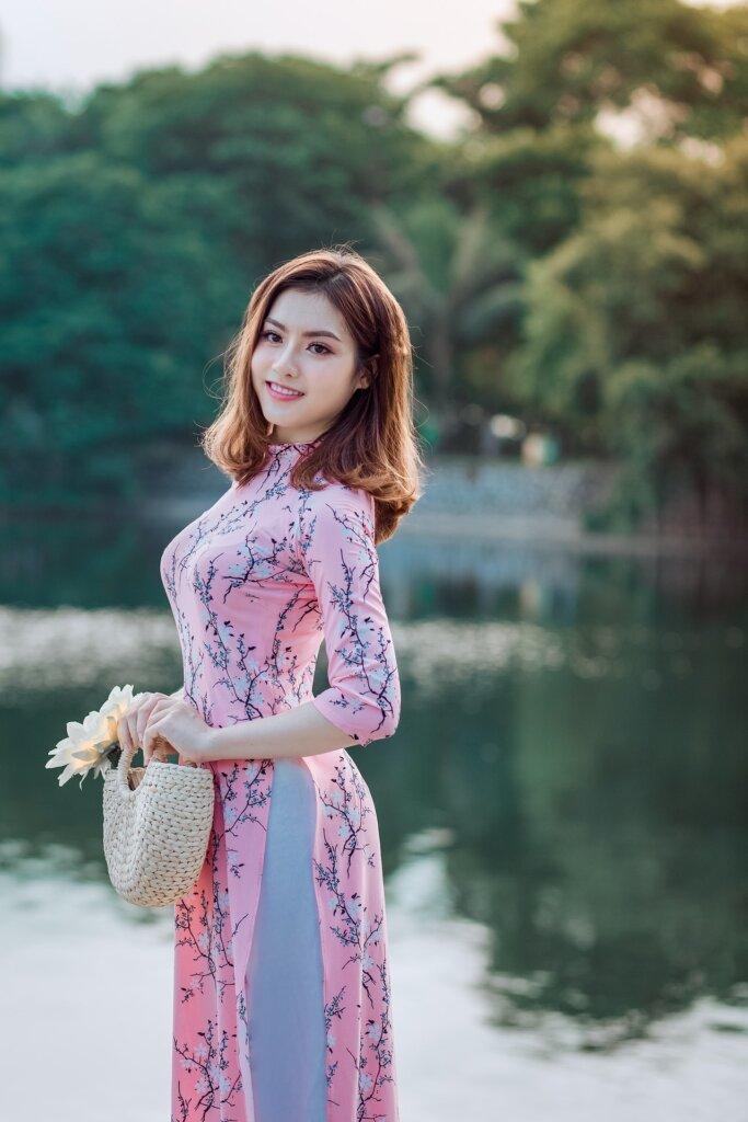 Date Asian Woman